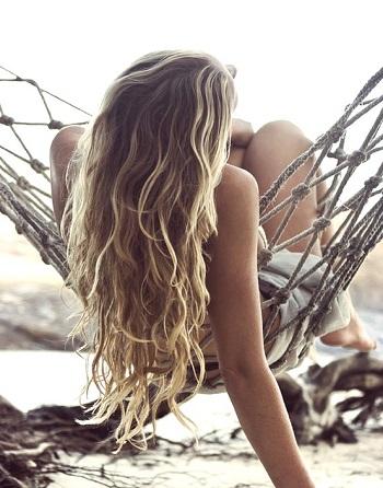 Περιποιημένα μαλλιά το καλοκαίρι