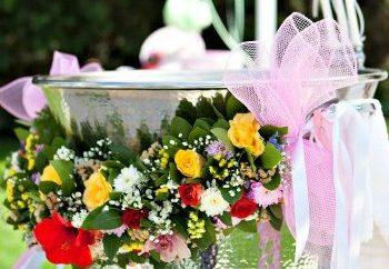 Ανοιξιάτικη βάπτιση με λουλούδια
