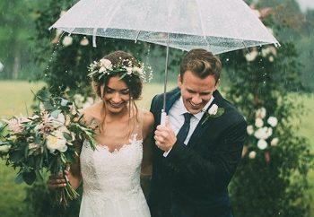 Γάμος με βροχή