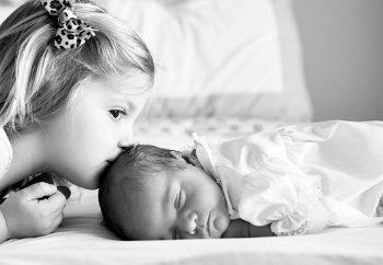 Παιδί και νεογέννητο
